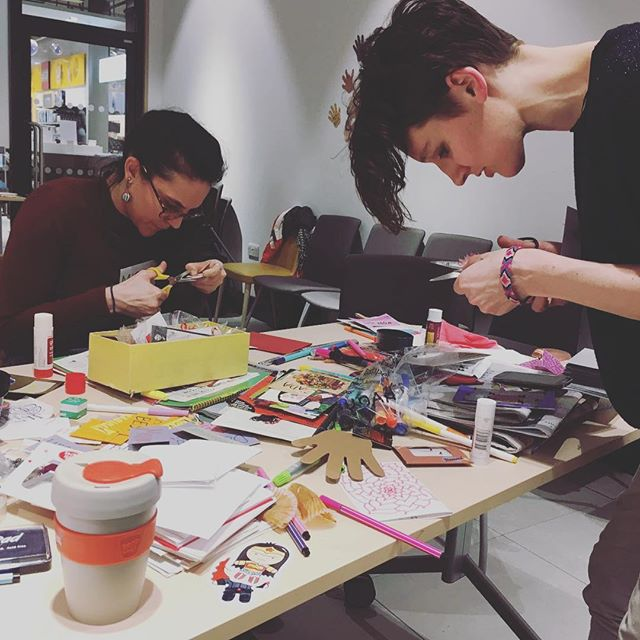 @kellibek and @thisis_miska_mishka bringing the crafting  @ #ourherecelebration  #internationalwomensday2018 #ourhereleeds #knowyourleeds #internationalleeds #craftingcommunity #smashthepatriarchywithcraft